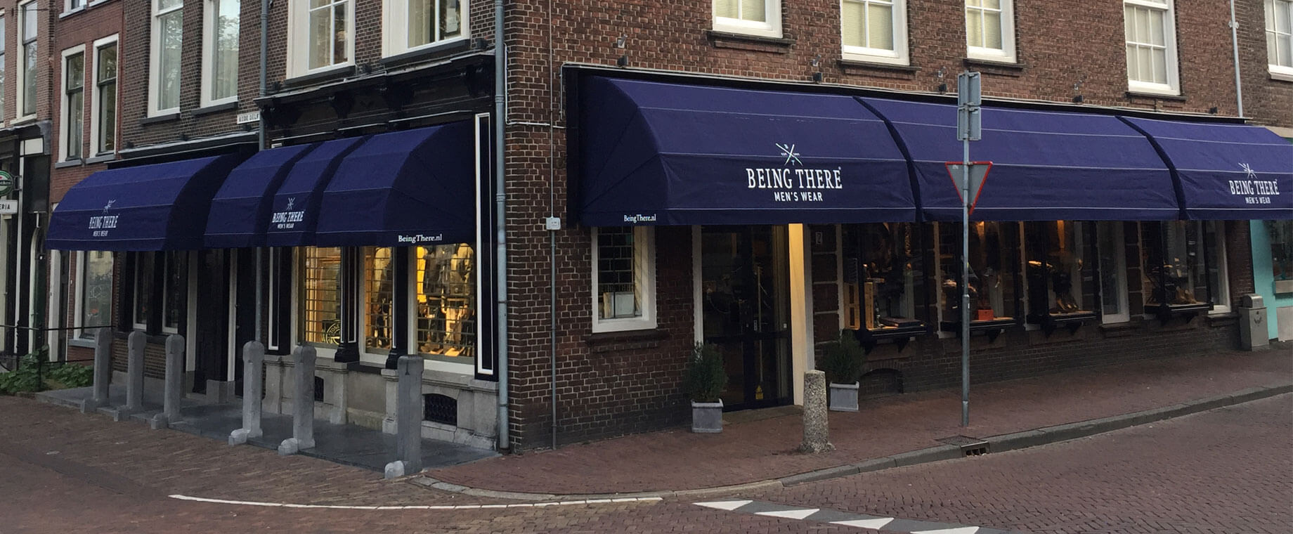 Kledingwinkel Being There in Delft